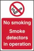 No smoking Smoke detectors in operation - s/a vinyl - 200 x 300mm label made from self-adhesive vinyl